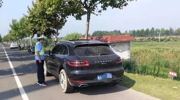 天长交警路口缉查布控 短短一小时查处违法车辆6起
